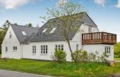 Flott bolig med gjesteleiligheter og 3 dk jord